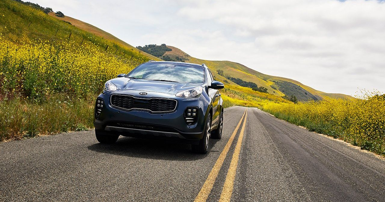 2019 Kia Sportage vs 2019 Ford Escape in Huntington, NY