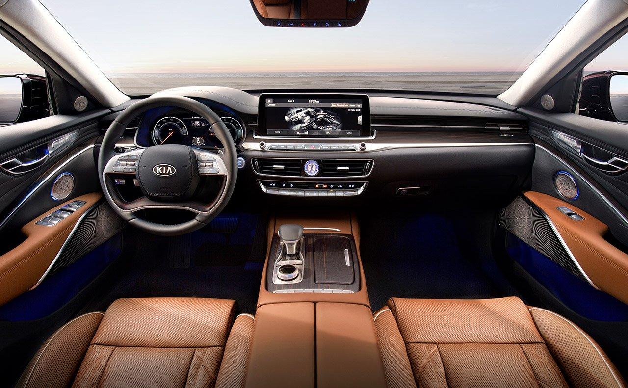 2019 Kia K900 Cockpit