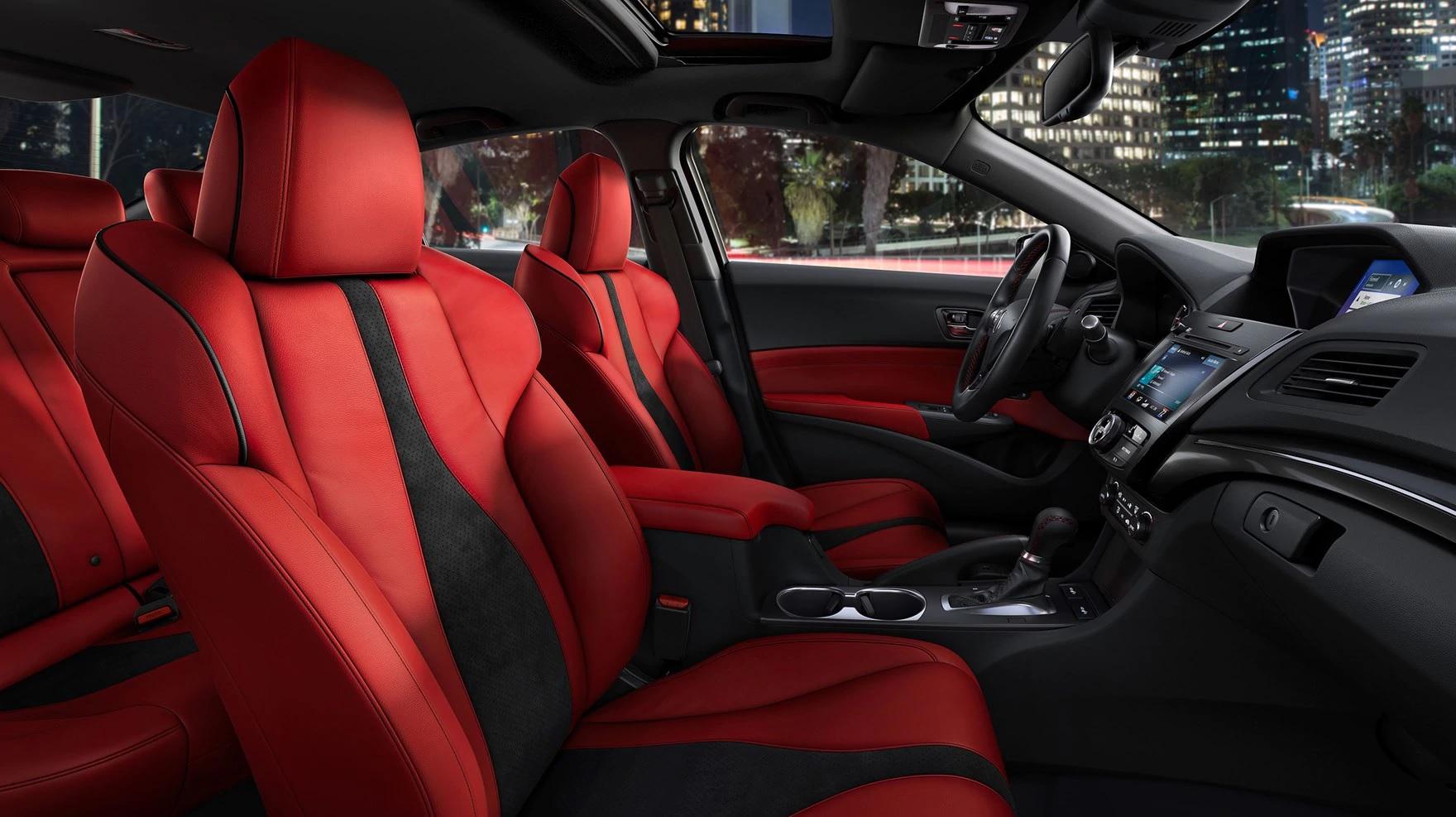 Interior color rojo del Acura ILX 2019 con paquete A-Spec® y tecnológico