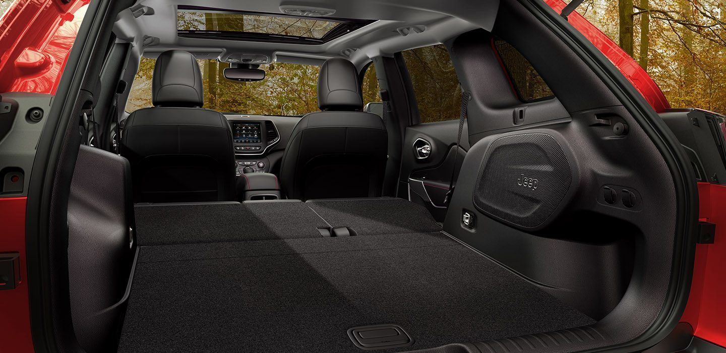 2019 Cherokee Trunk Space