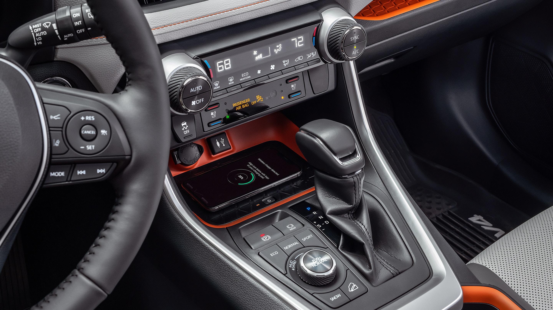 Wireless Charging in the 2019 Toyota RAV4!