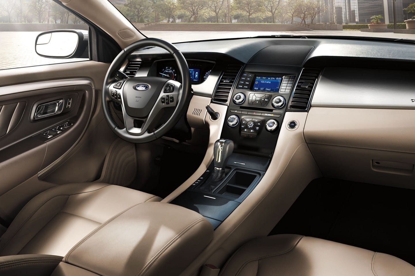 Interior of the 2019 Ford Taurus