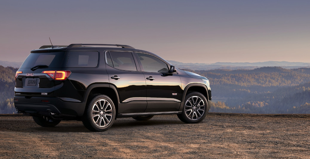 What's the Difference Between the Acadia and the Terrain near Austintown, OH?
