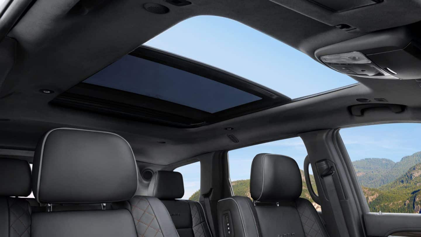 Let Some Fresh Air into the Grand Cherokee as You Cruise!