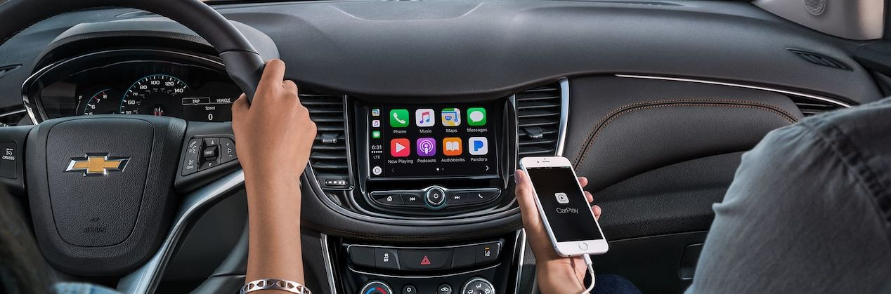 Apple CarPlay™ in the 2019 Trax