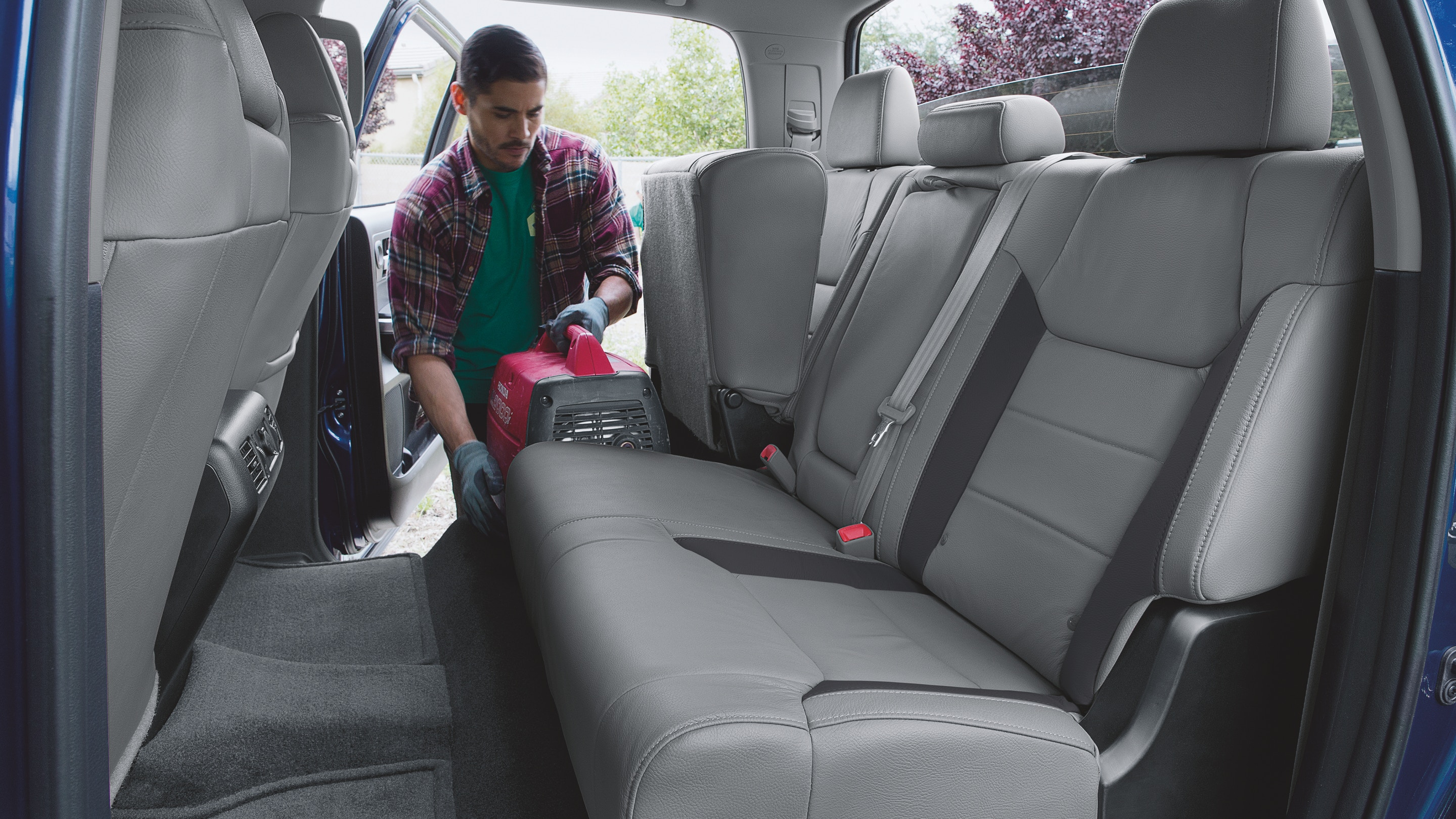 Versatile Seating in the 2019 Tundra