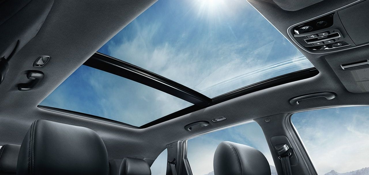 The Sorento's Huge Sunroof