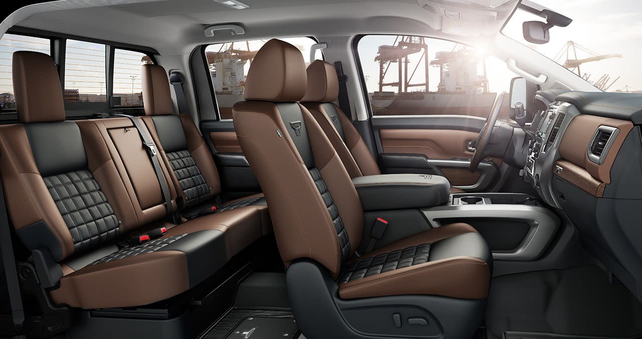 2019 Nissan Titan Seating