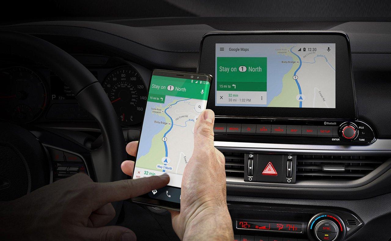 Android Auto™  es una característica estándar en el Kia Forte 2019