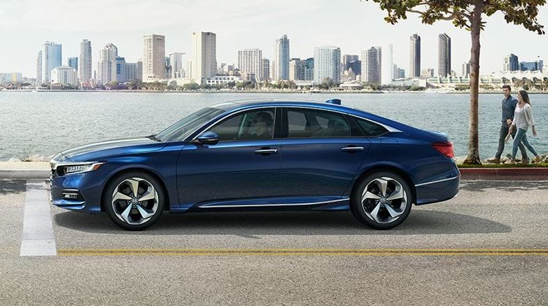 2019 Honda Accord vs 2019 Toyota Camry near Melbourne, FL