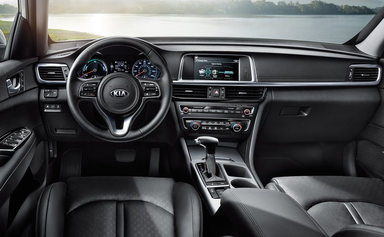 2019 Optima Hybrid Cockpit