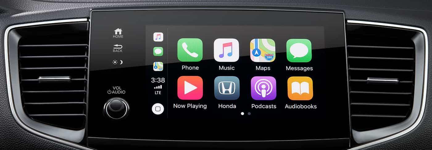 Apple CarPlay™ in the 2019 Pilot