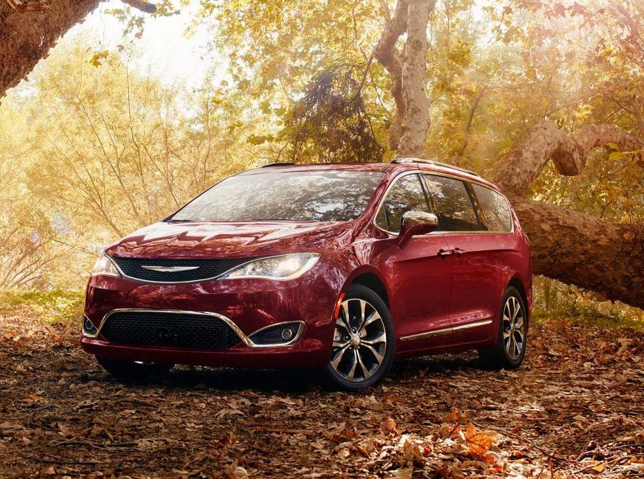 2019 Chrysler Pacifica Financing near Fort Lee, NJ
