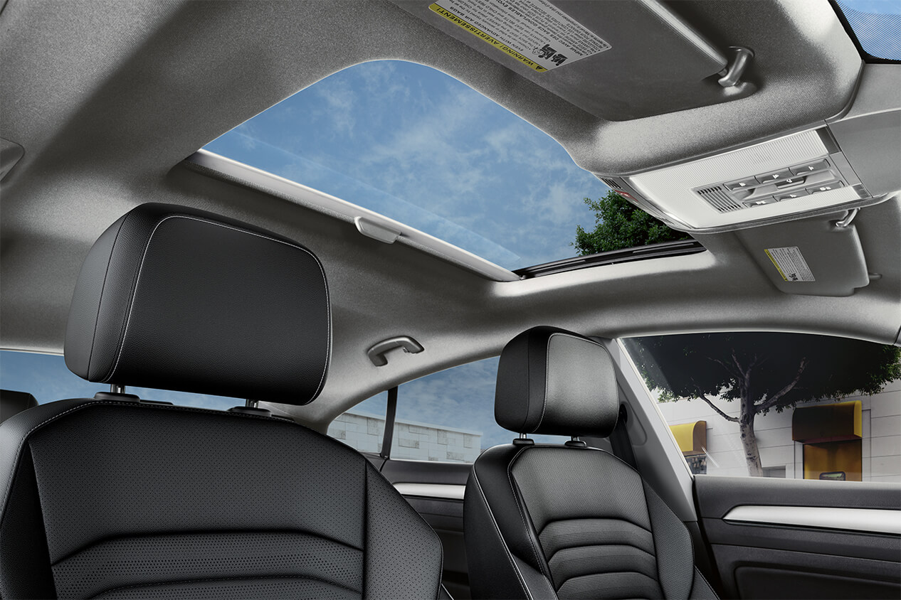 Moon Roof in the 2019 Arteon