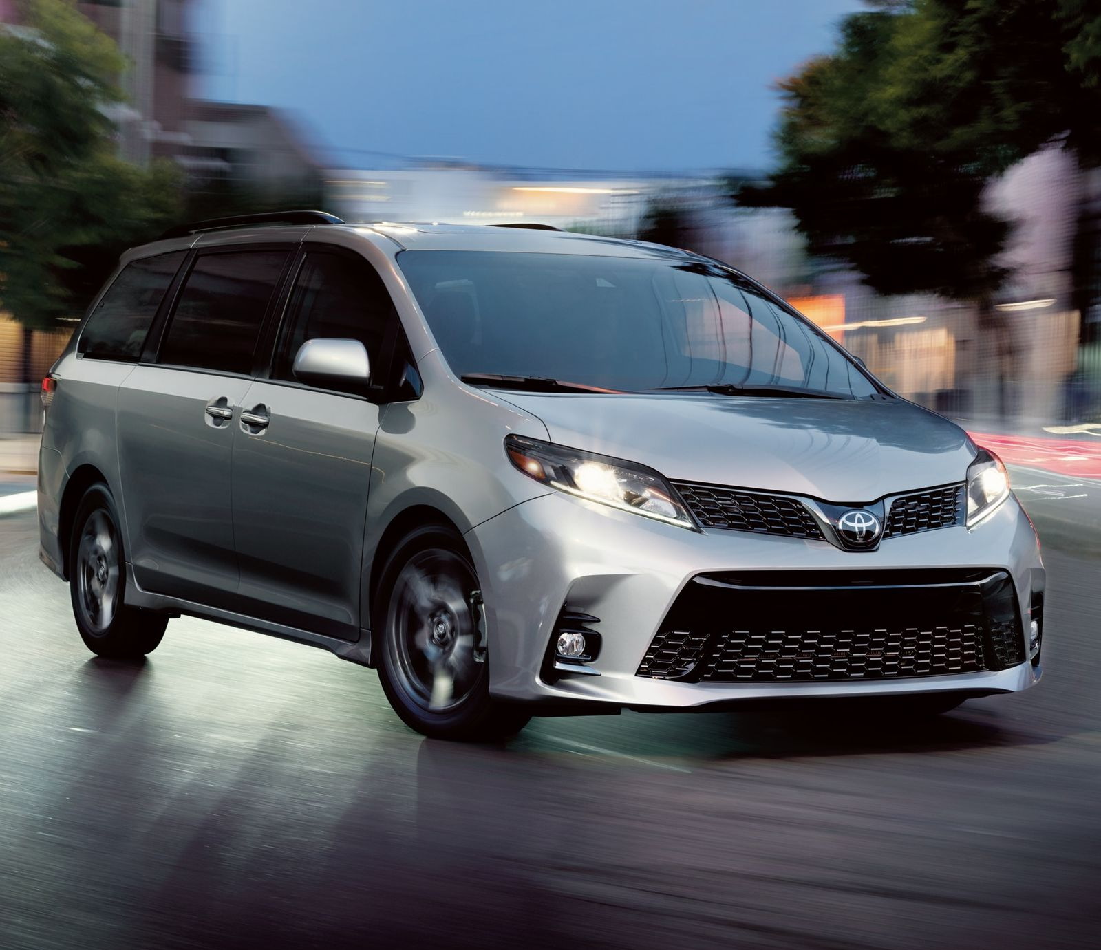 2020 Toyota Sienna Leasing near Des Moines, IA