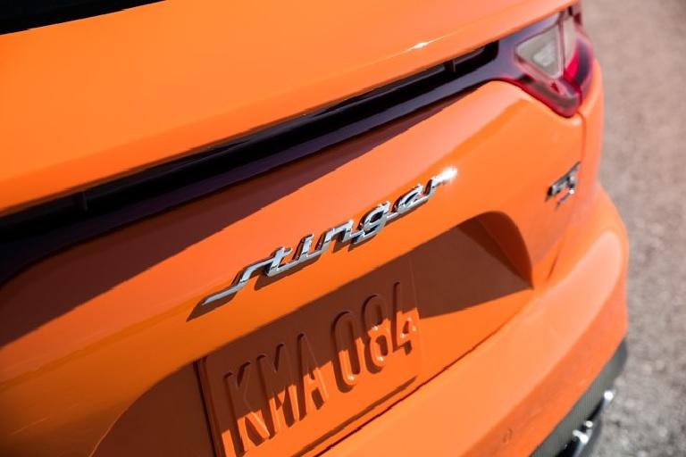 Emblema de lujo en la parte trasera del Kia Stinger GTS 2020