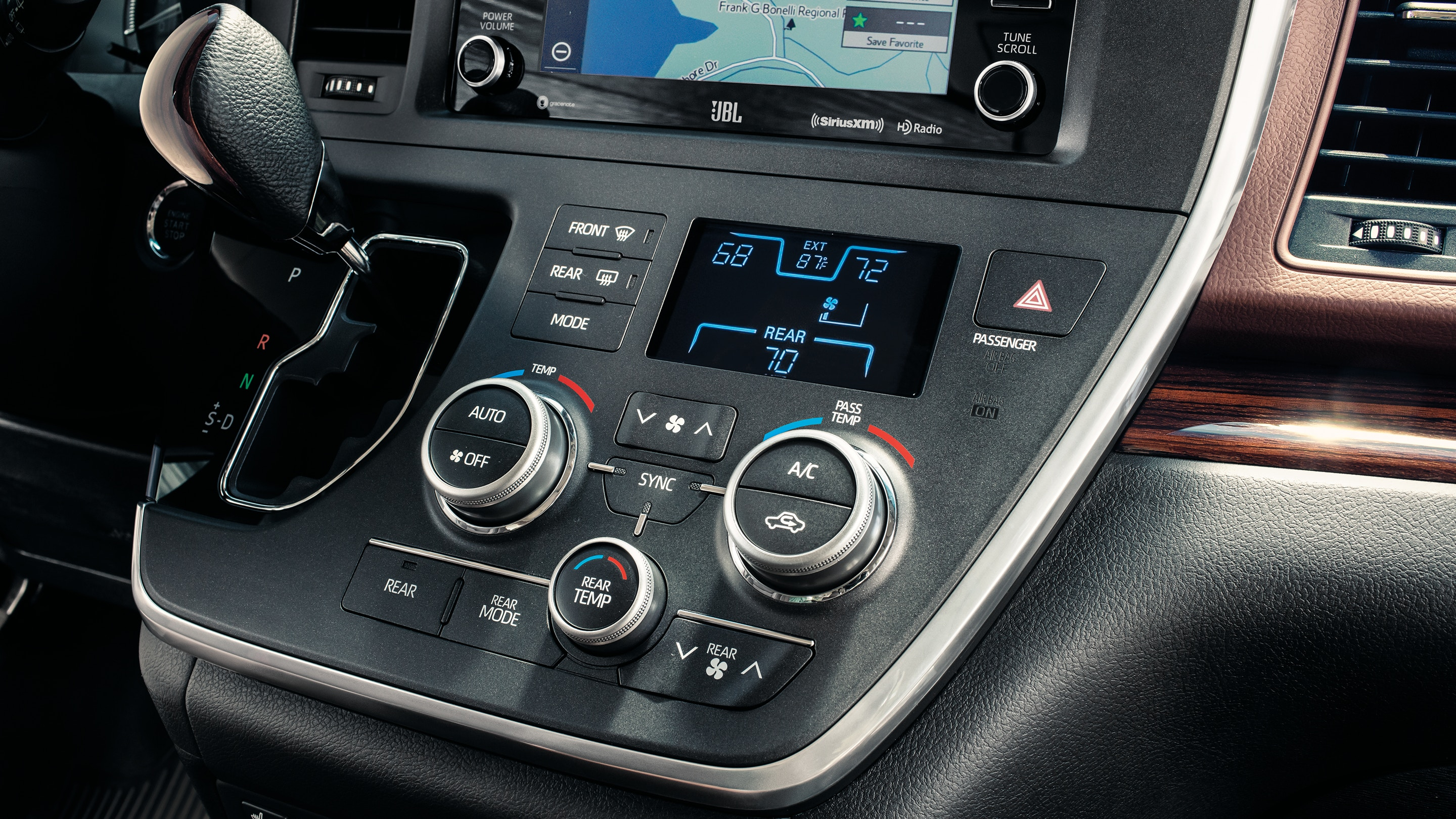 Set the Perfect Cabin Climate Quickly in the 2020 Sienna!