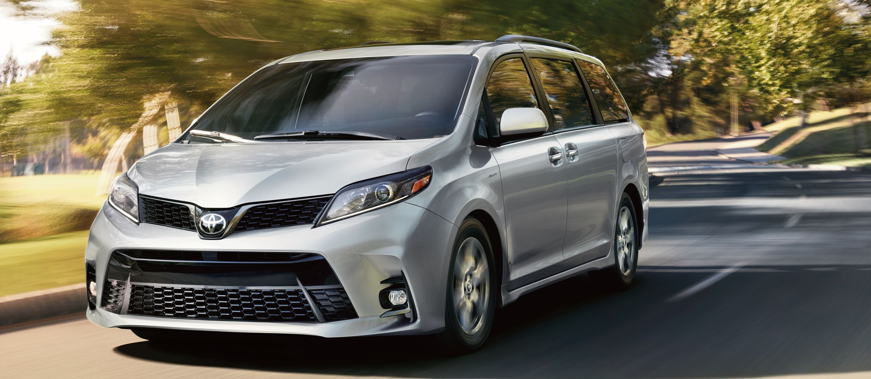 2020 Toyota Sienna Leasing near Loves Park, IL