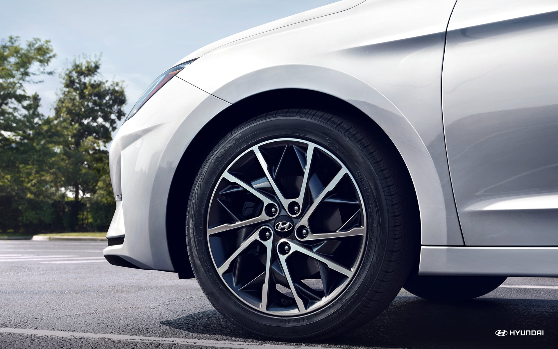 Striking Wheel Options with the 2020 Elantra
