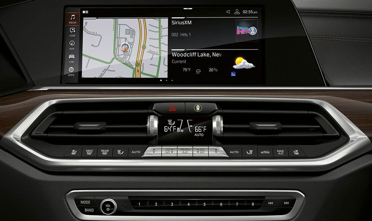 Touchscreen Display in the 2019 X5