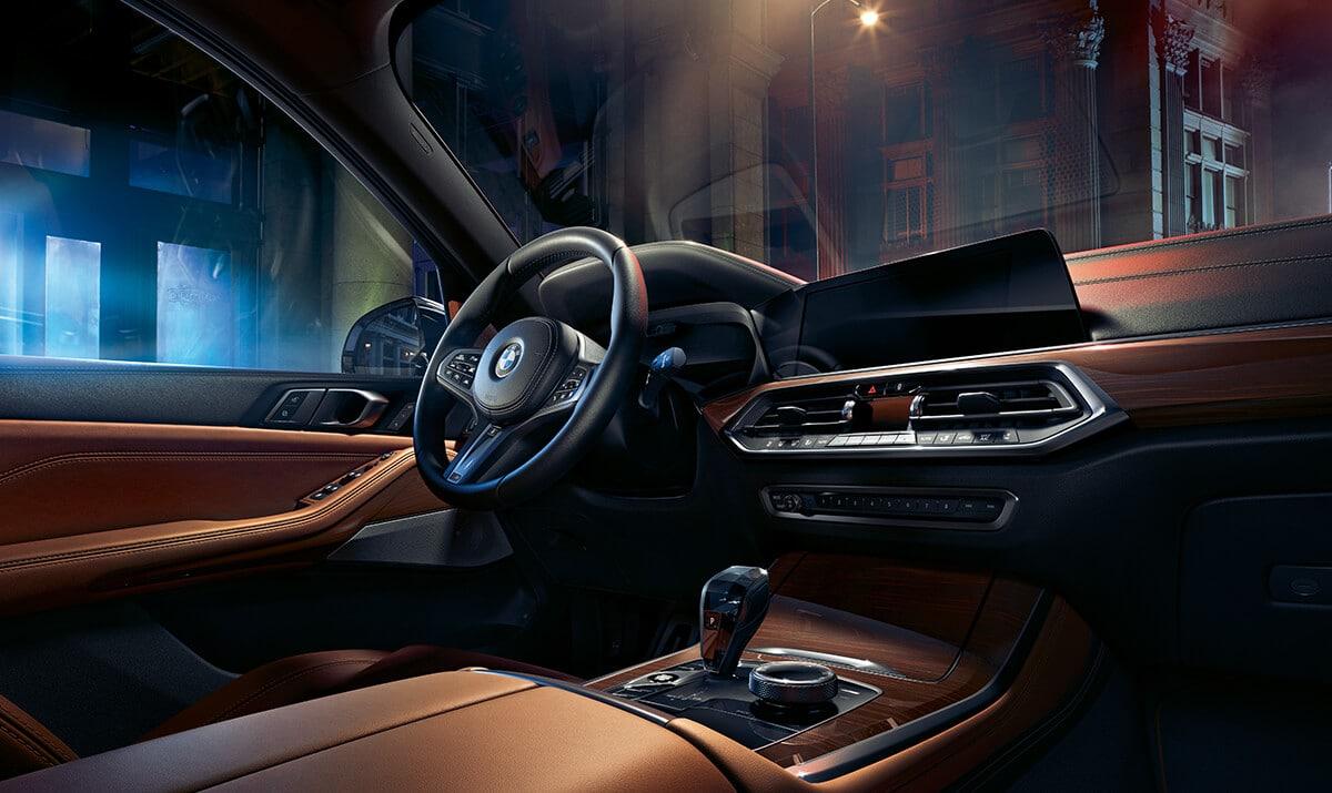 Interior of the 2019 BMW X5