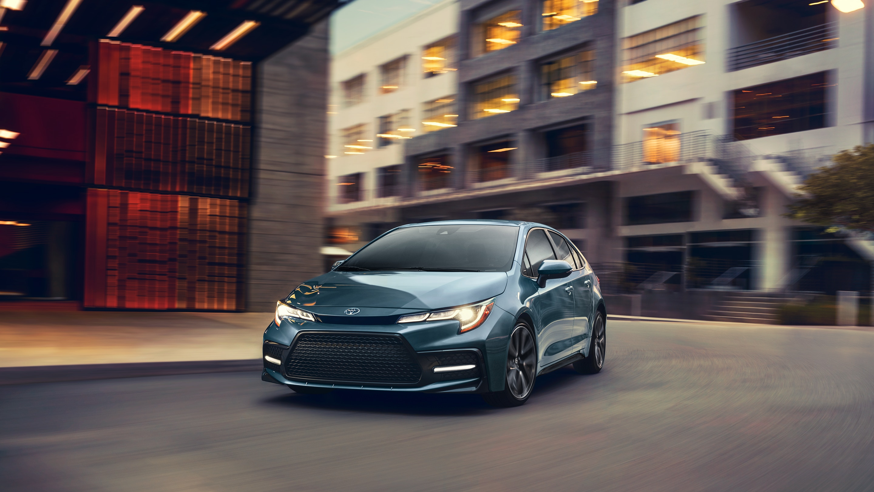2020 Toyota Corolla vs 2019 Honda Civic near Lee's Summit, MO, 64086
