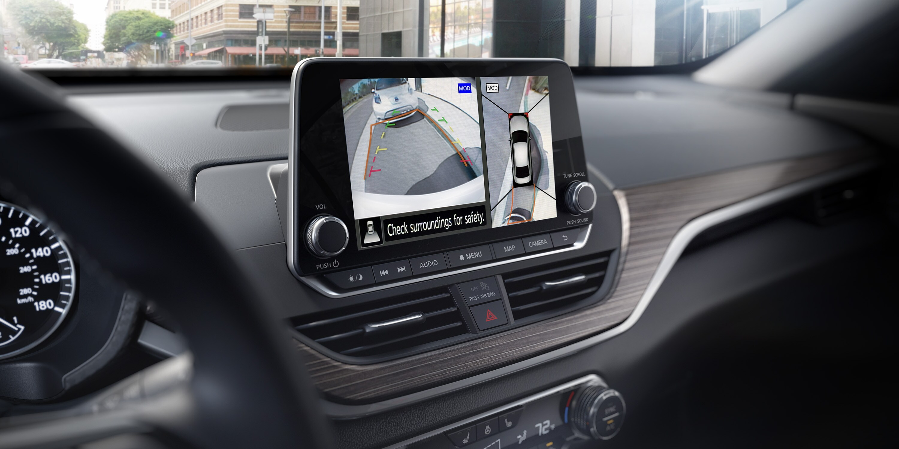 Rear View Monitor in the 2019 Altima