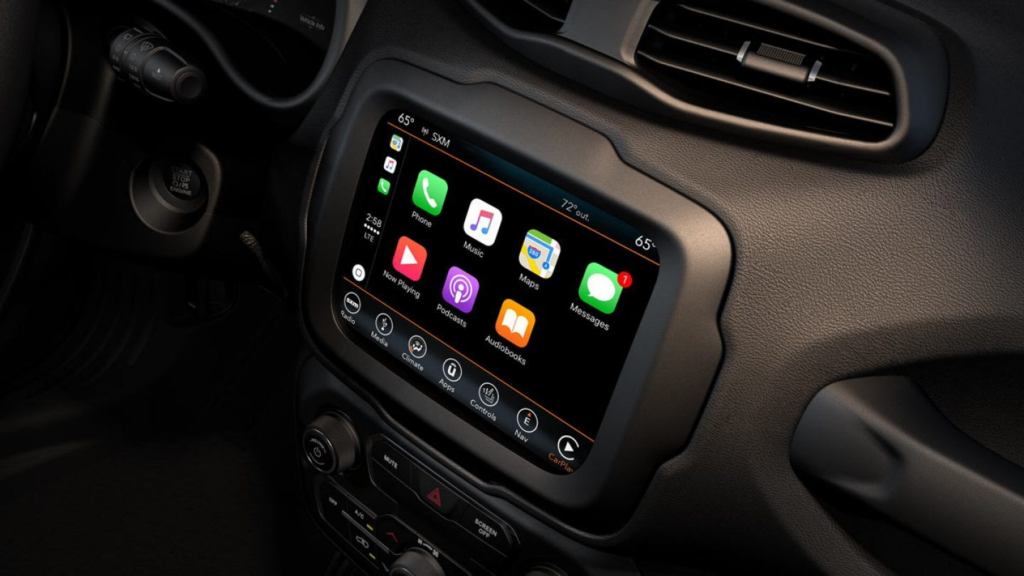 Apple CarPlay™ in the 2019 Jeep Renegade