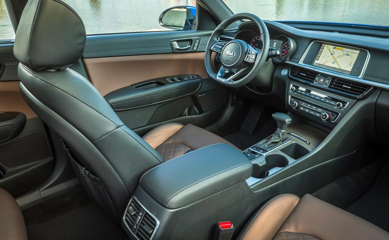 Agradable interior del Kia Optima 2019