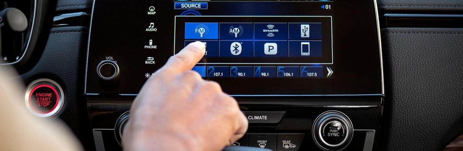 Convenient Tech in the 2019 CR-V