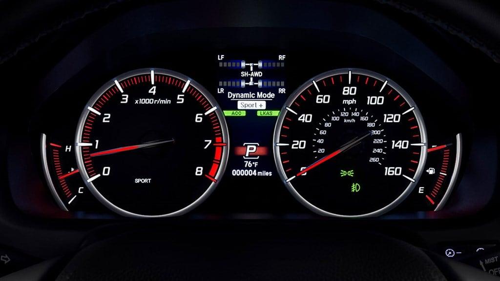 Los medidores deportivos elegantemente iluminados le darán distinción a tu carro.