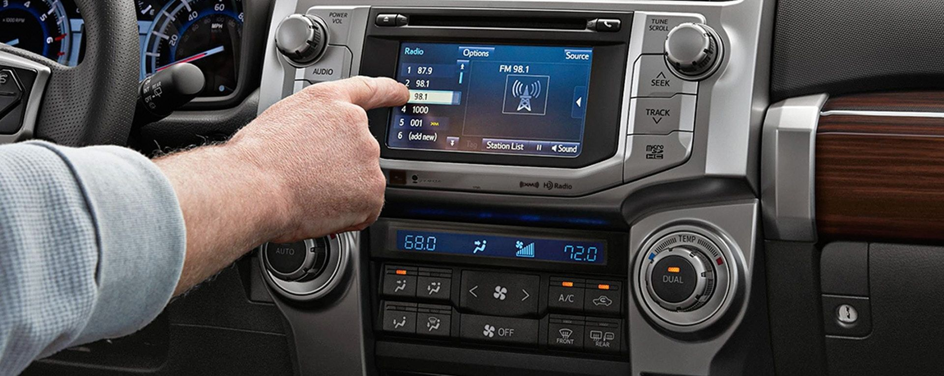 Seamless Connectivity in a Toyota SUV