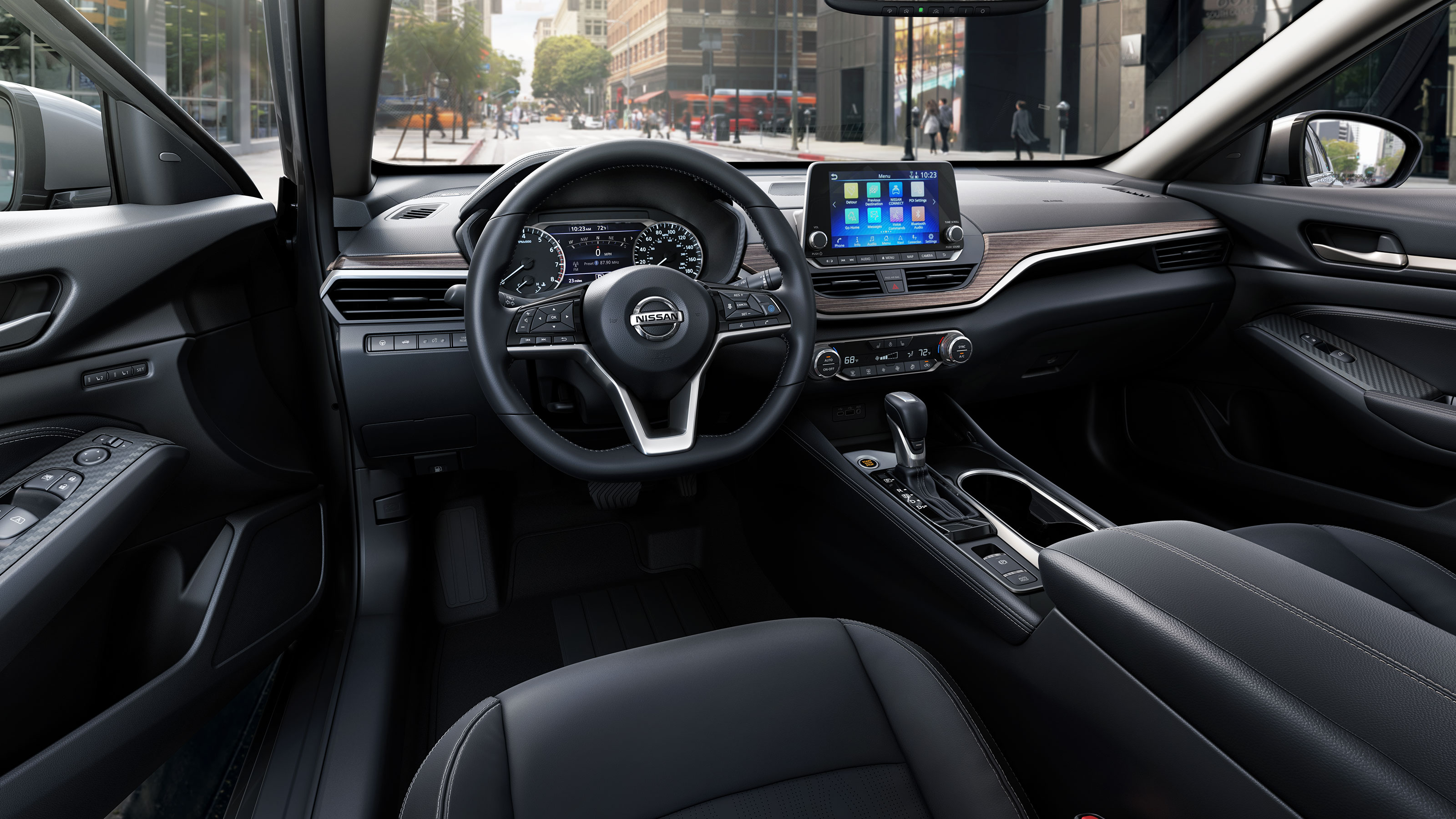 Front Row of the 2019 Altima