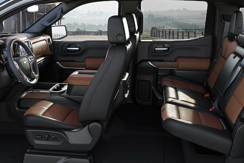 Cabin of the 2019 Silverado 1500 V6