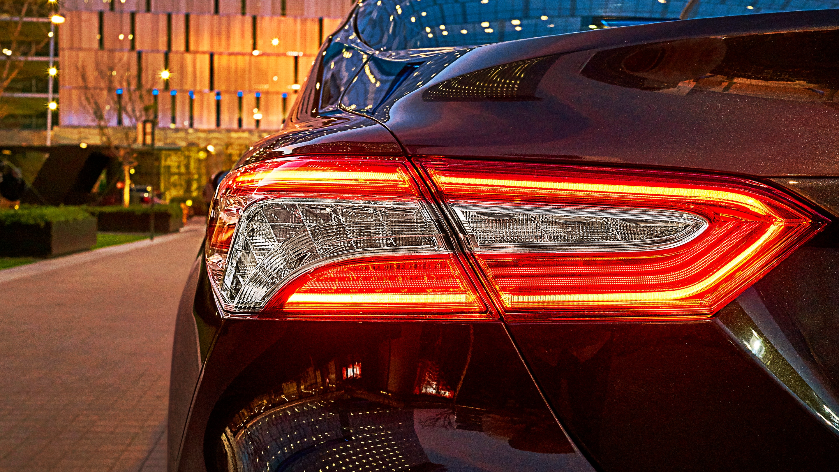 Vibrant Taillights of the 2019 Toyota Cmary