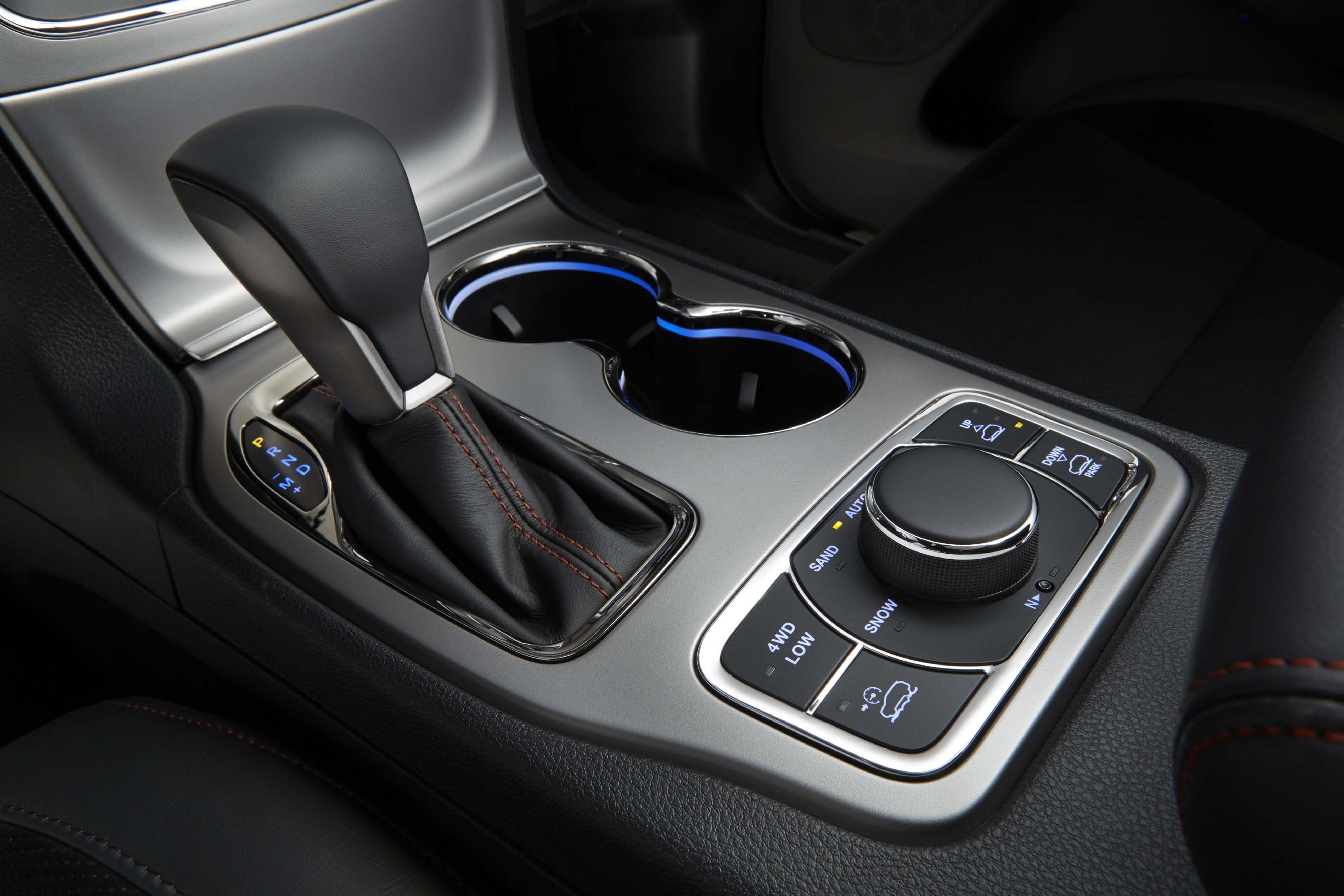 Driving Controls in the 2020 Grand Cherokee