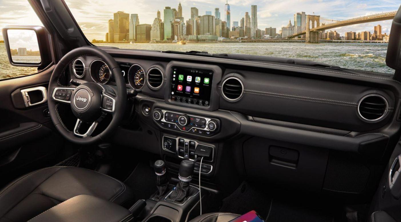 Interior of the 2020 Jeep Gladiator
