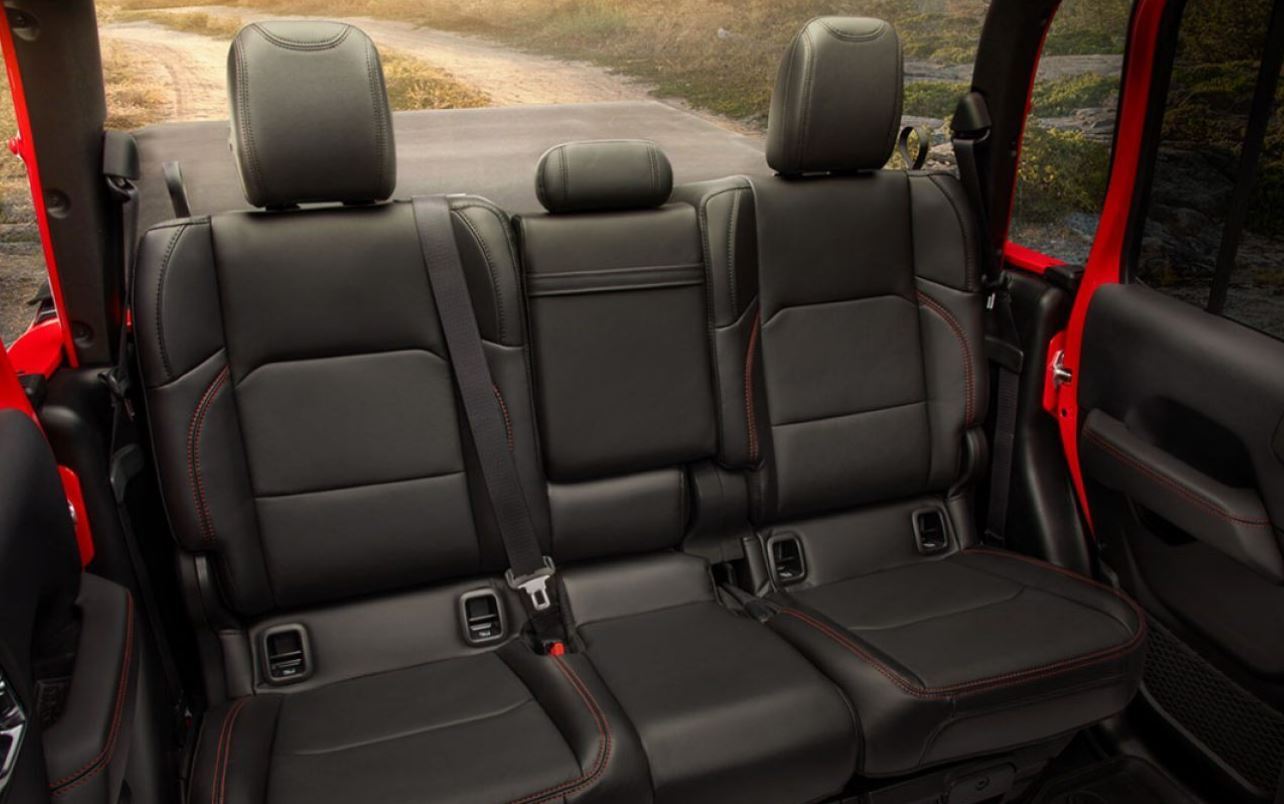 Sporty Seats in the 2020 Gladiator