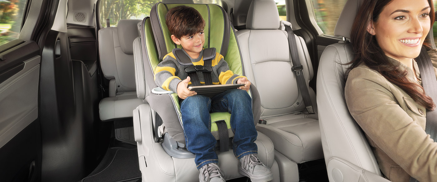 Sliding Second-Row Seat in the Odyssey