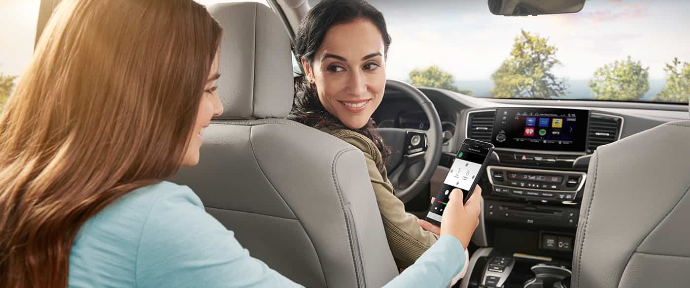 Stay Connected in the 2020 Honda Pilot