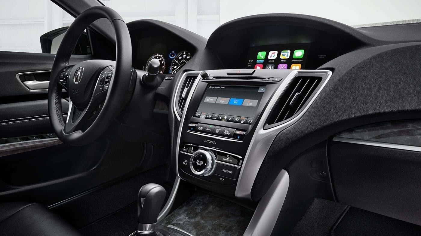 La cabina maximiza la experiencia deportiva de conducir un TLX.