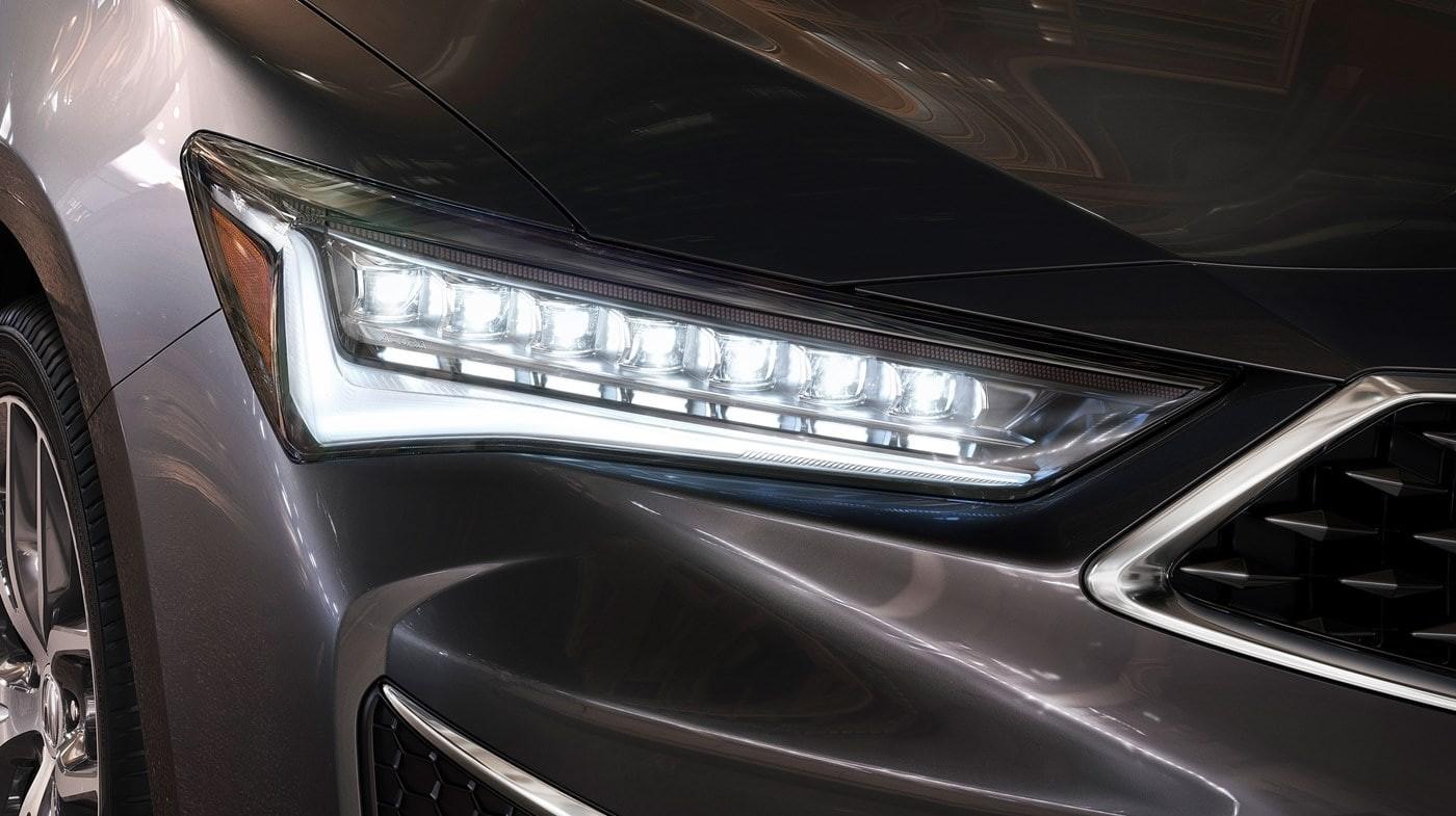 Las luces delanteras LED Jewel Eye® son una verdadera obra de arte.