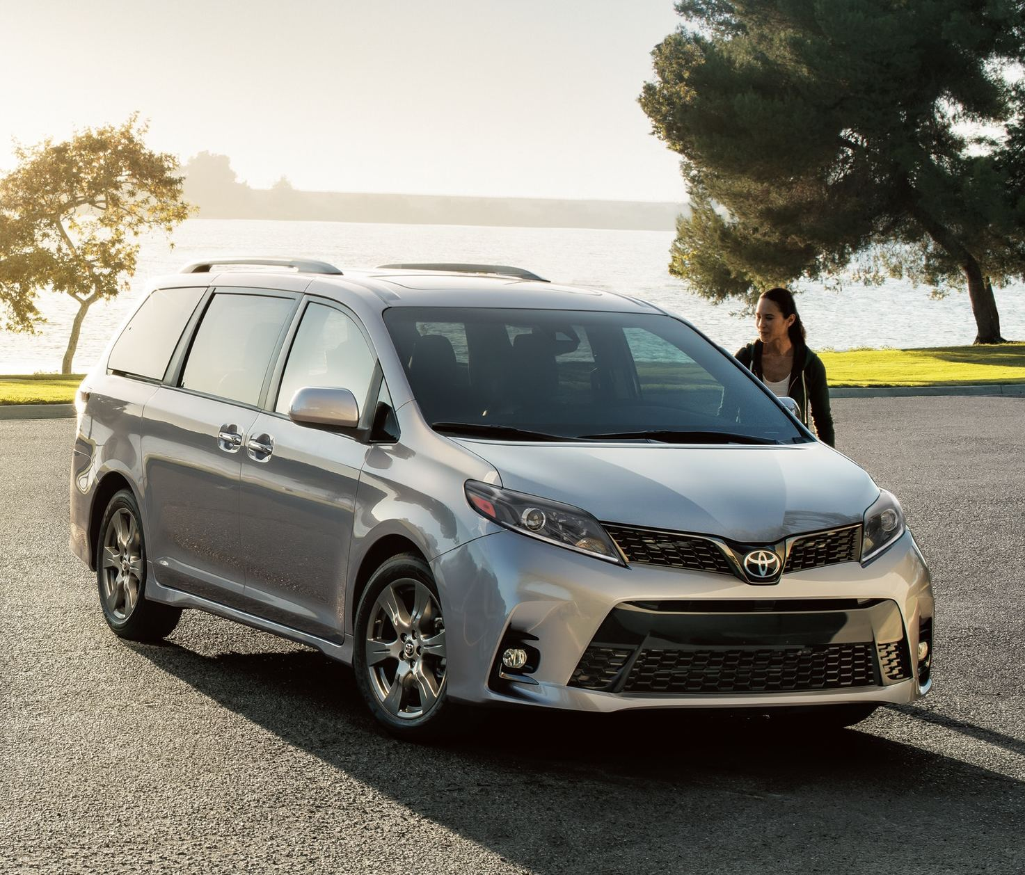 2020 Toyota Sienna Leasing near Paramus, NJ