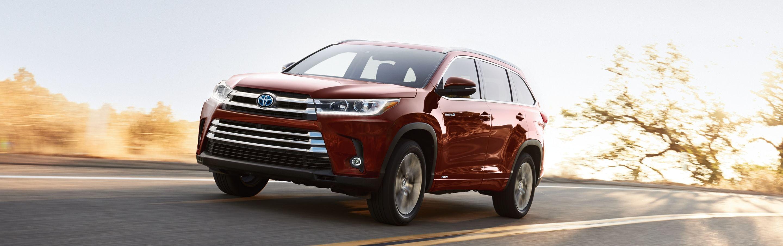 2019 Toyota Highlander Leasing near West Des Moines, IA