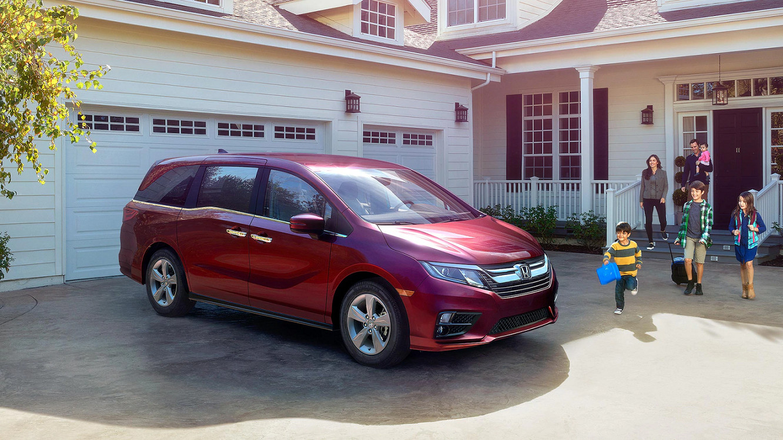 2020 Honda Odyssey vs 2020 Toyota Sienna near Ann Arbor, MI
