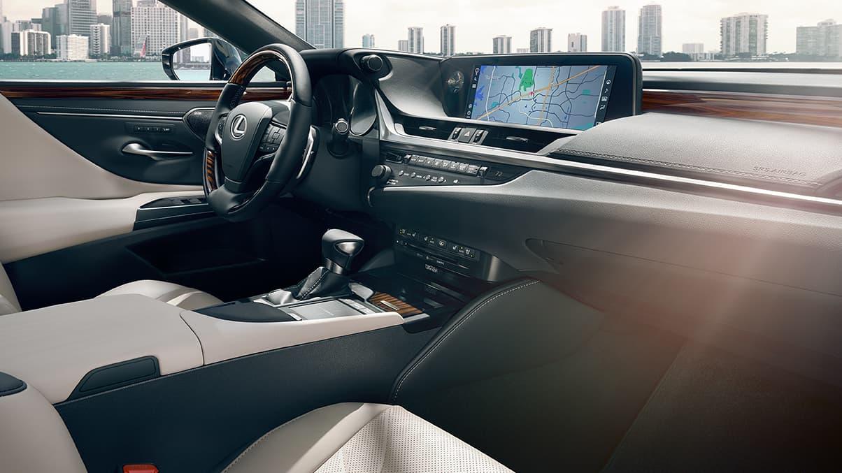 Interior of the 2020 ES 350
