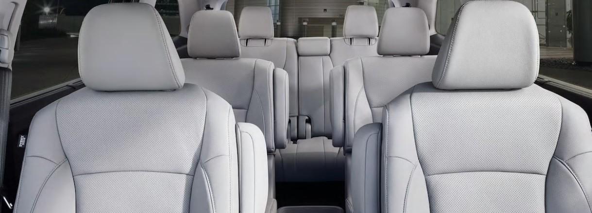 Ya no le temas a los viajes largos en familia: la Pilot es espaciosa y tiene mucho confort para todos.