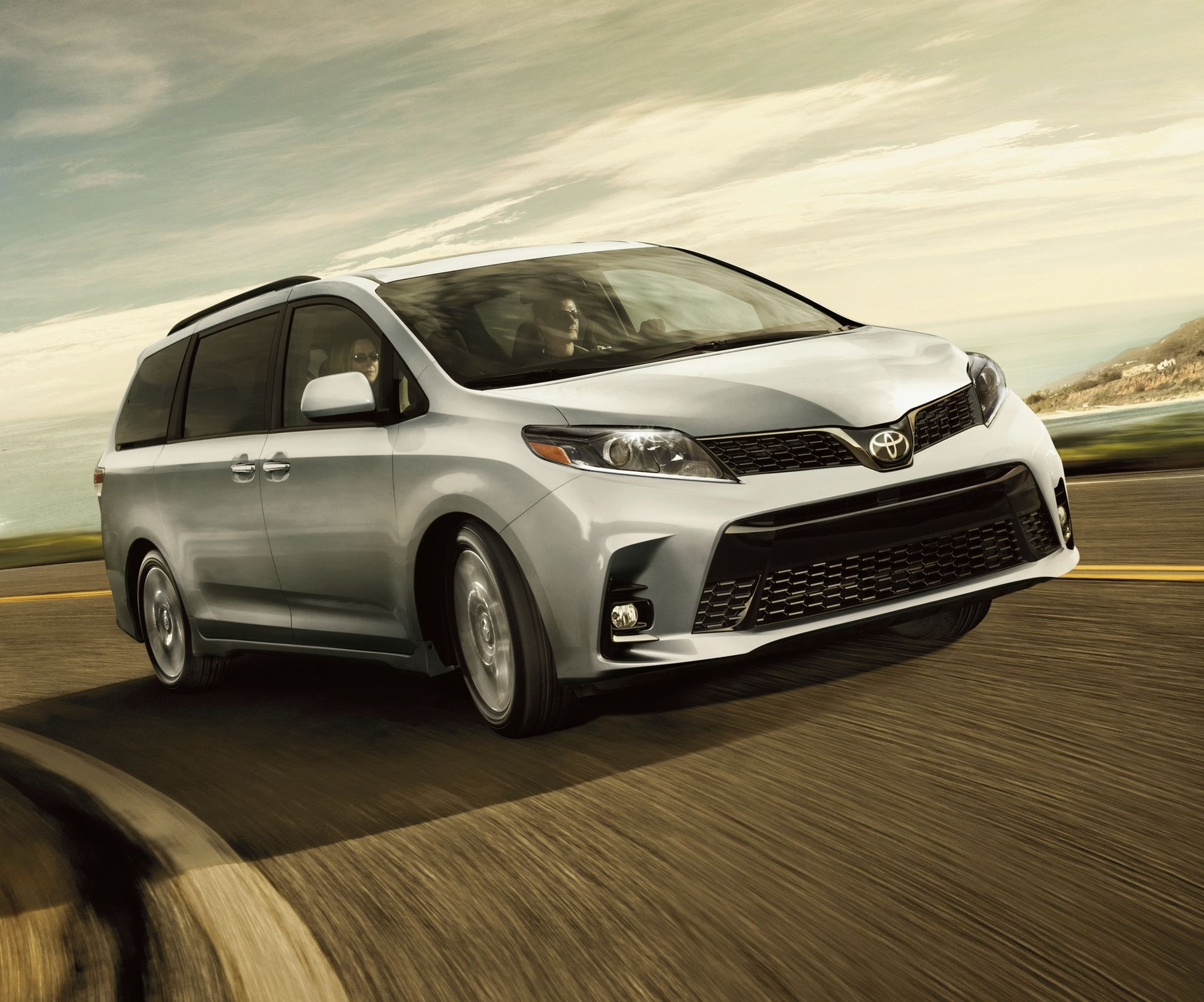 2020 Toyota Sienna Leasing near Cleveland, OH