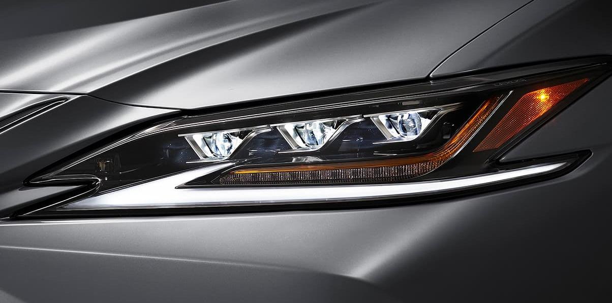Stunning Headlights of the 2020 ES 350