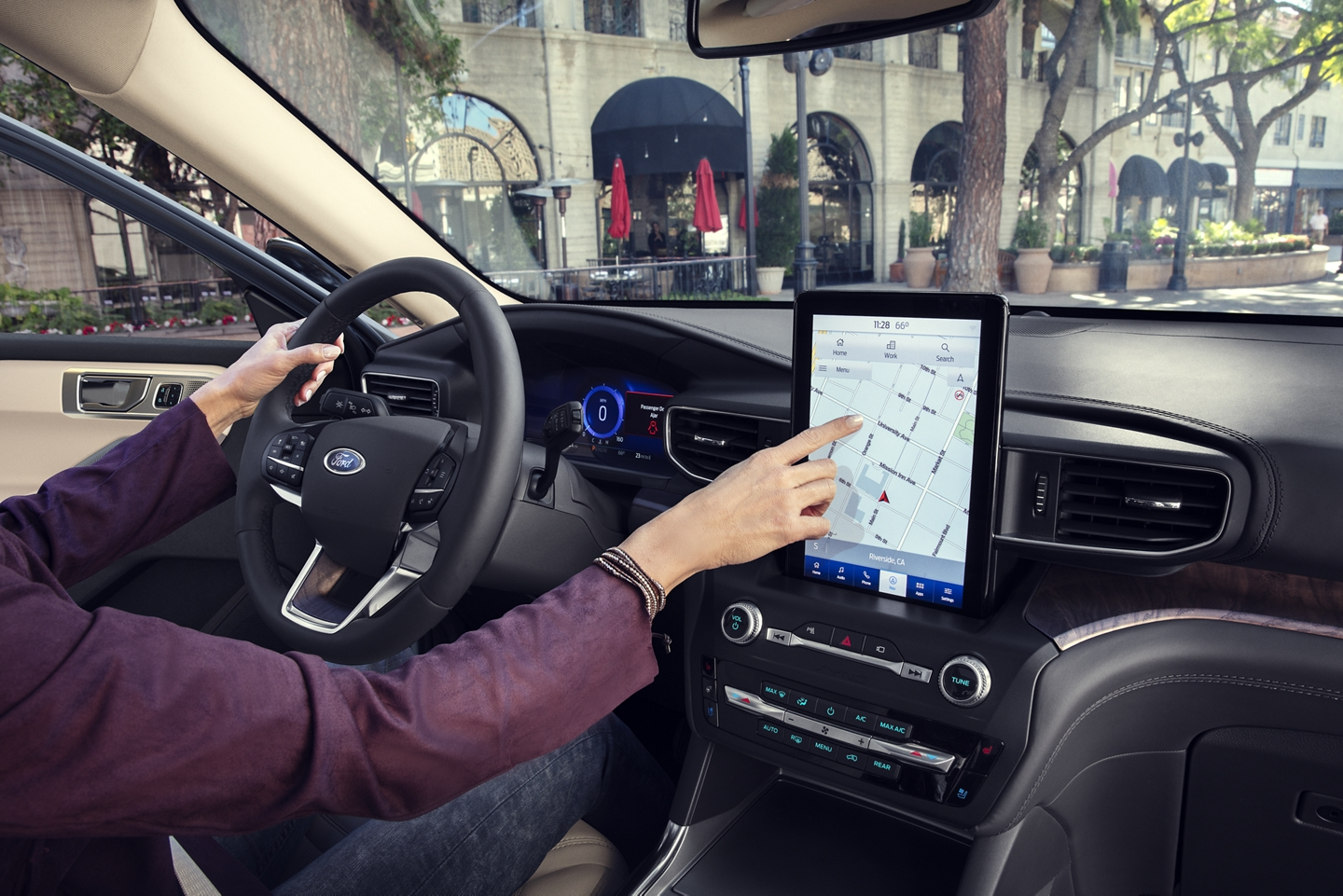 Available Touchscreen in the 2020 Explorer